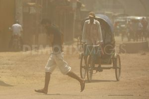 Photo from http://www.demotix.com/news/1205001/air-pollution-now-costs-tk-124-billion-year-dhaka-city#media-1204970